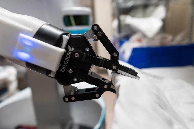 بالصور| يمكن للروبوتات المساعدة إنقاذ ezgif-7-e101b9e4e818
