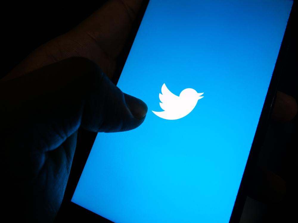 تويتر تختبر ميزة جديدة تحذر من مشاركة المنشورات الغير مقروءة