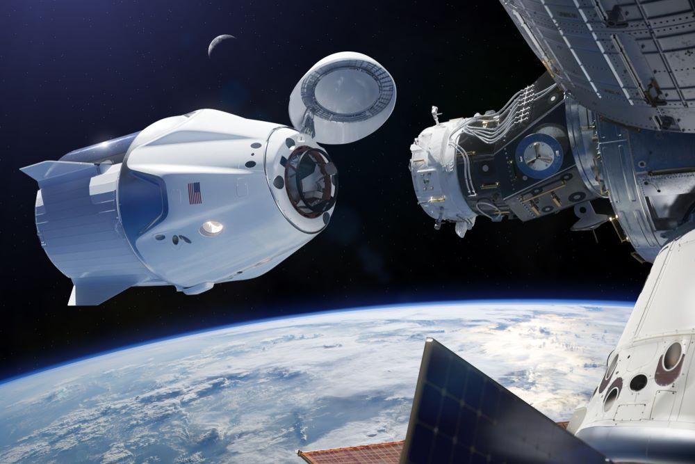 شركة SpaceX تنجح في إطلاق أول مركبة فضائية بعد 18 عامًا من العمل.