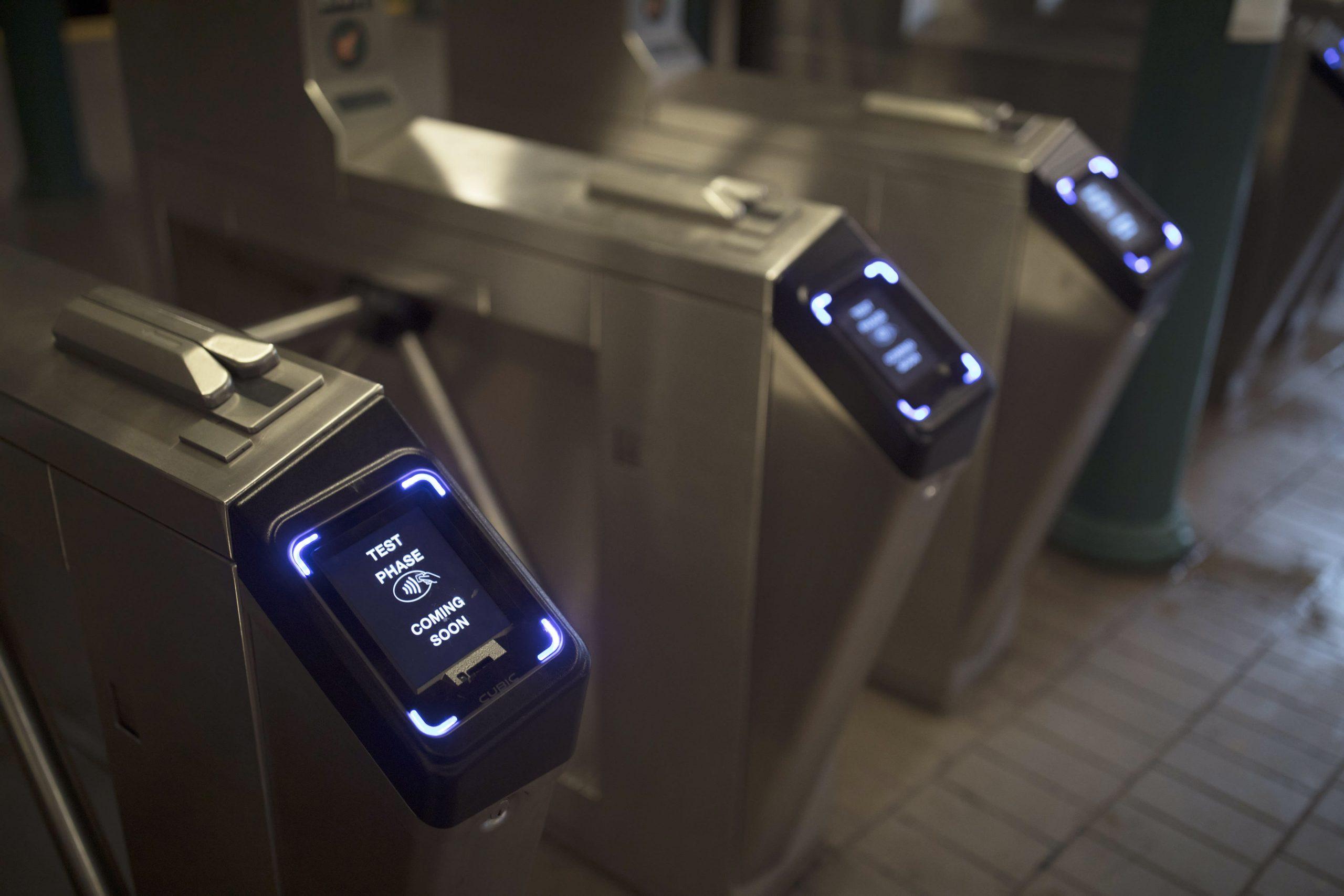 تأخر الطرح الكامل للمدفوعات اللاتلامسية في مترو أنفاق مدينة نيويورك حتى ديسمبر